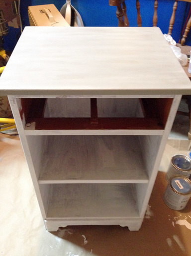 First Coat of Annie Sloan Chalk Paint - Works wonders!