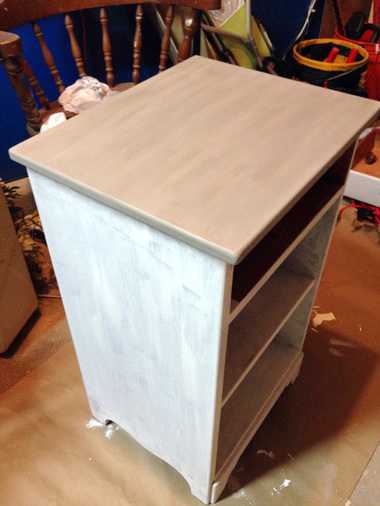 Annie Sloan Chalk Paint Tutorial - First Coat