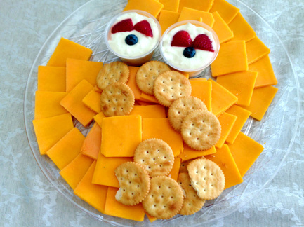 Big Bird Cheese and Crackers - Sesame Street Party Food