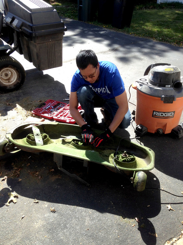 How to Fix an Old Riding Lawn Mower
