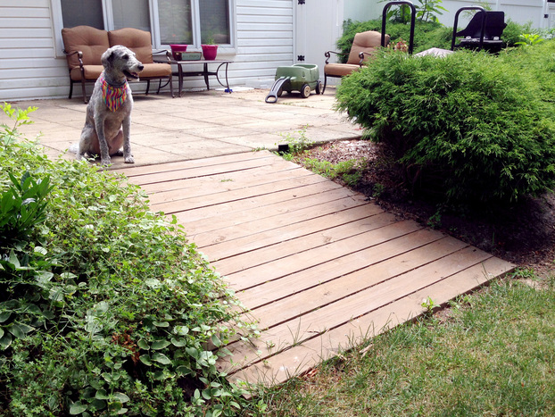 How to Build a Wooden Pathway