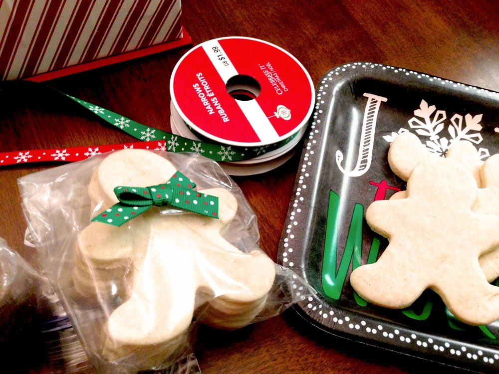 Making a Holiday Cookie Decorating Gift Box