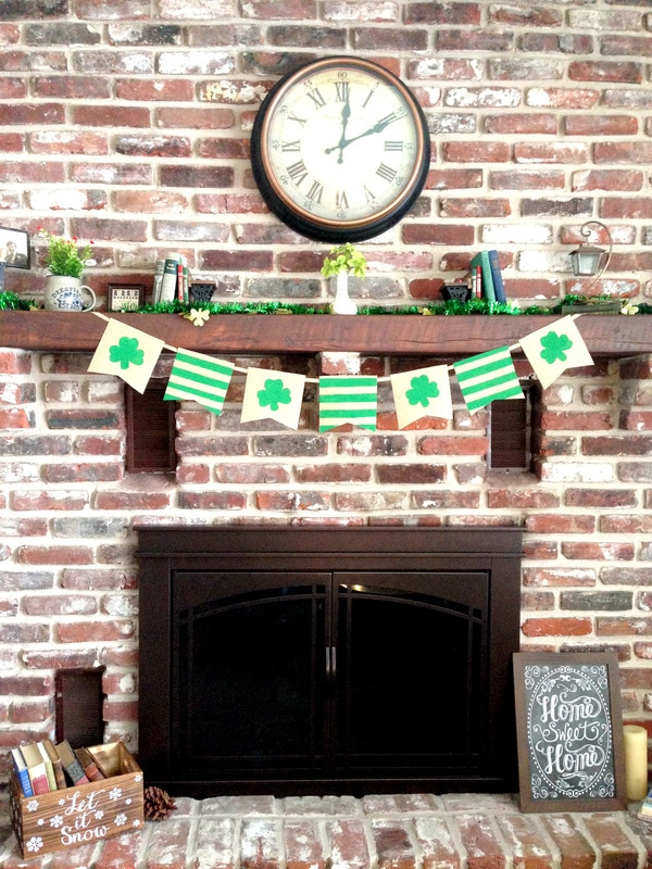 How to Make a DIY Burlap Banner - for any occasion!