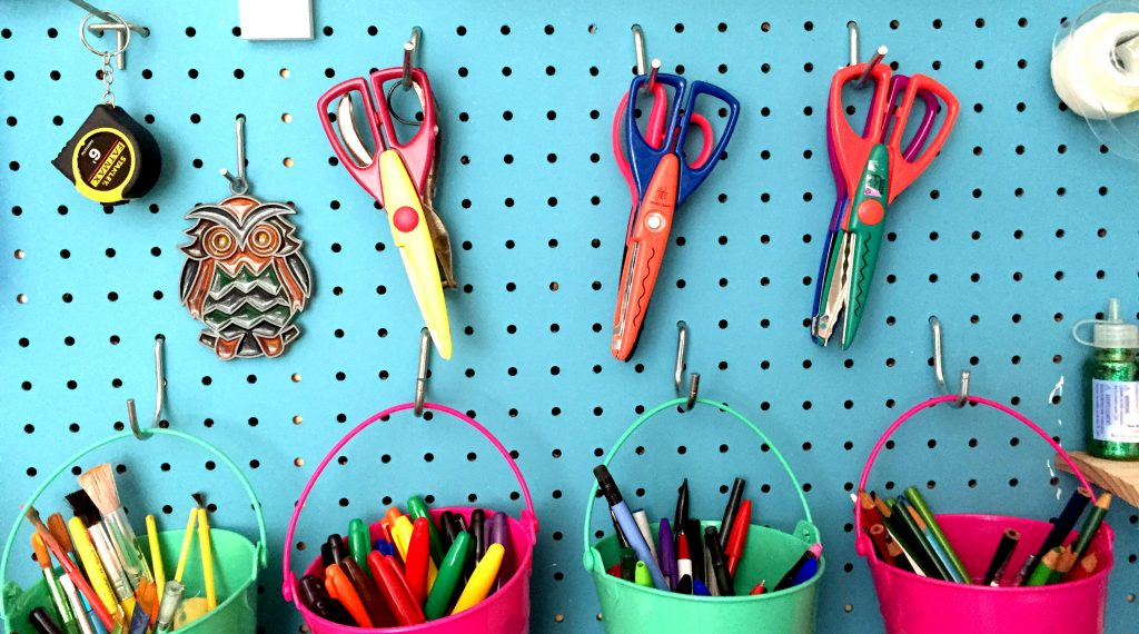 Perfect Craft Room Organization and Storage - free printables