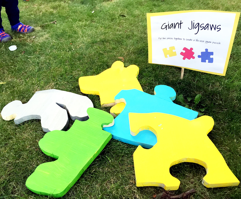 How to Make a Giant Wooden Jigsaw Puzzle - Easy Puzzle Party Ideas