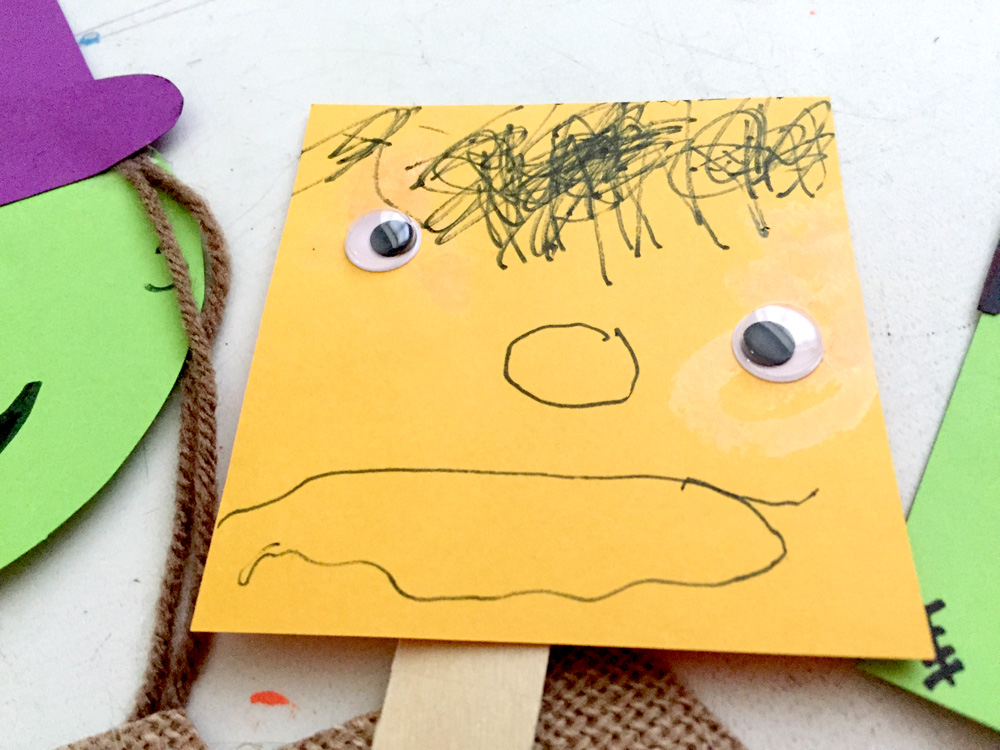 Perfect Fall Craft for Toddlers - Popsicle Stick Puppets with a Theater