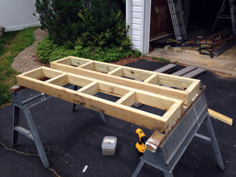 How to Build an outdoor DIY Picnic Table from 2x4 and composite decking