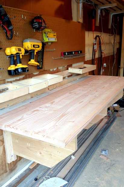 How to Make a Folding Workbench for the Garage - Best DIY Projects