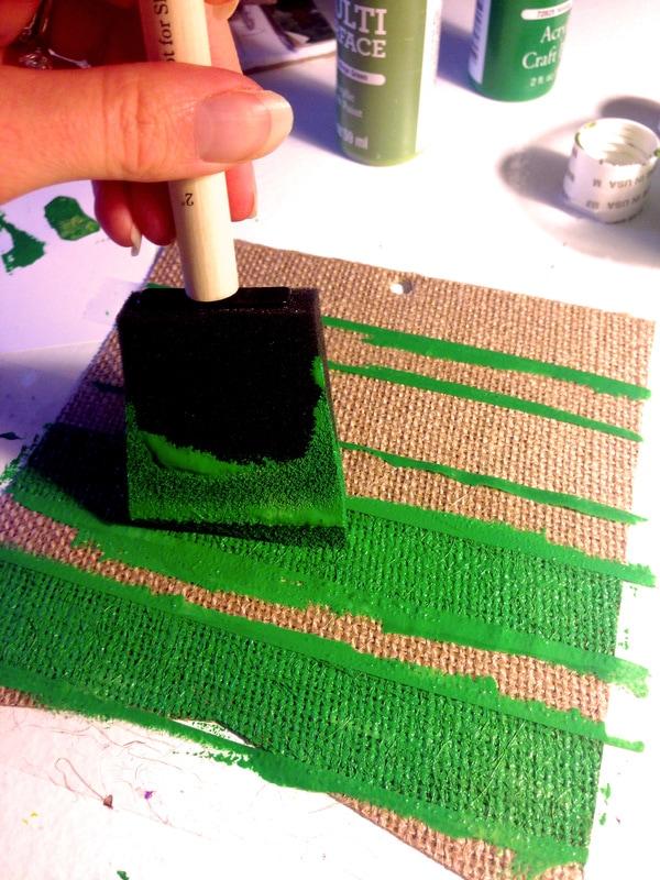 How to Make a DIY Burlap Banner