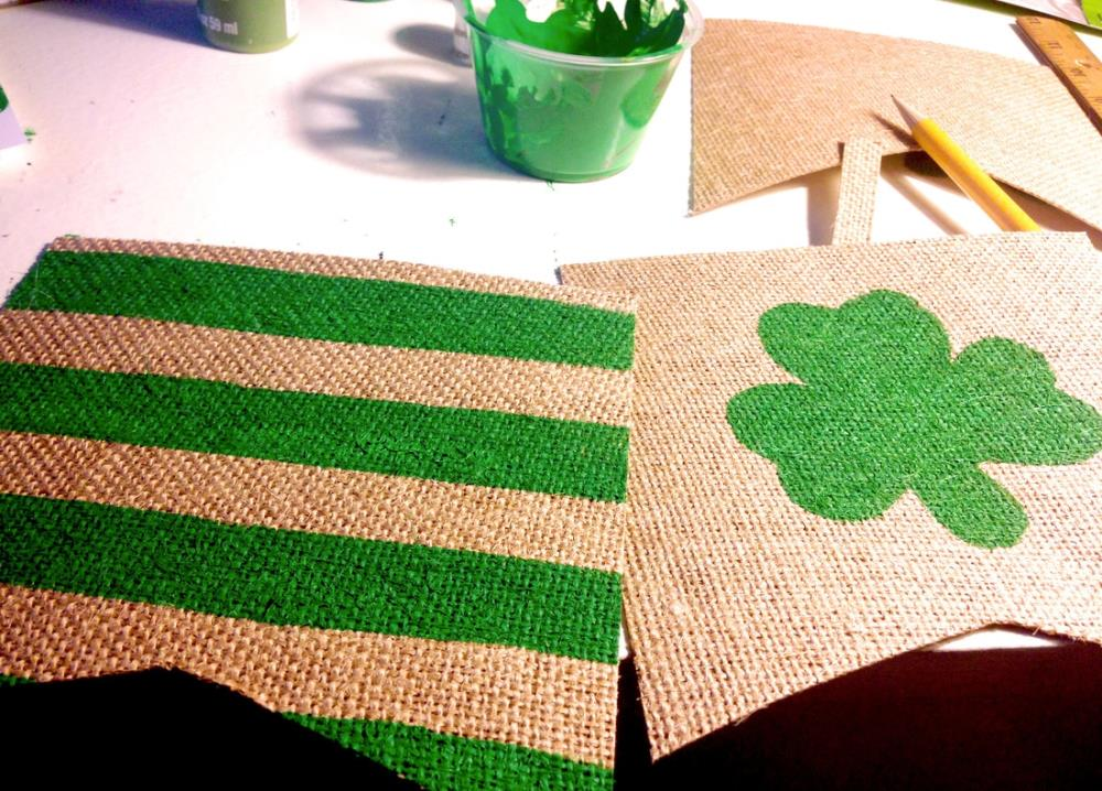 How to Make a DIY Burlap Banner in Less Than an Hour