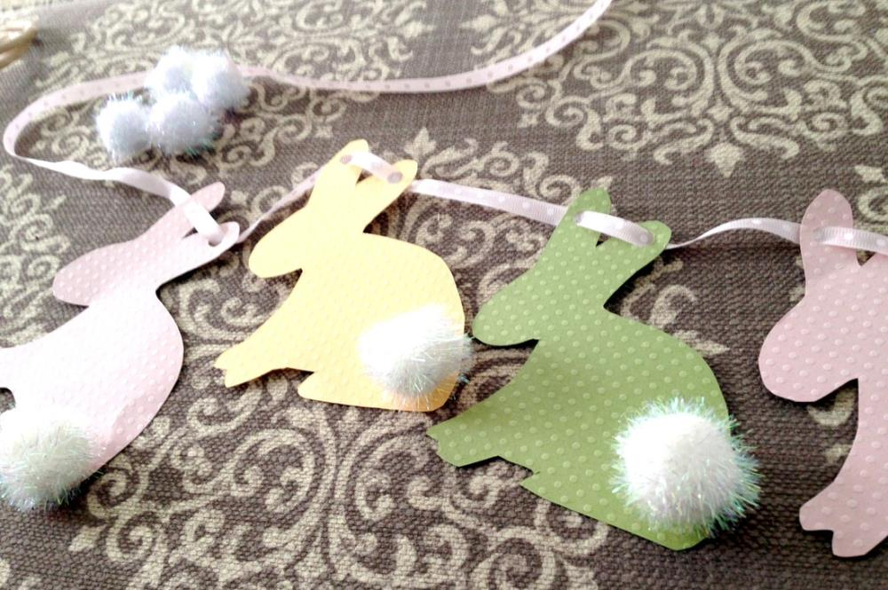 Making Easy Easter Bunny Banners with free printable