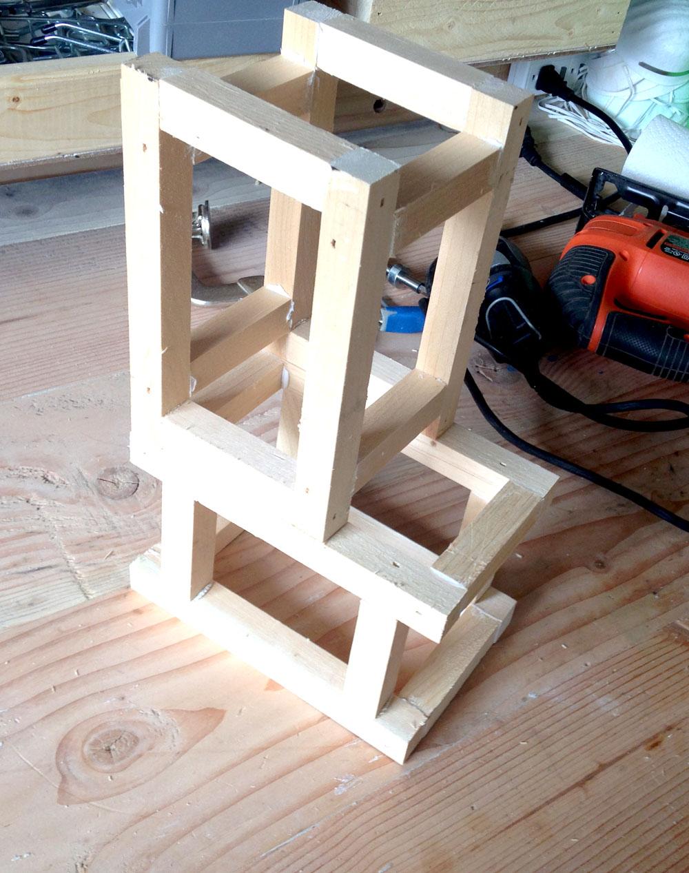 Making a Robot Head Frame - Easy Robot Tutorial