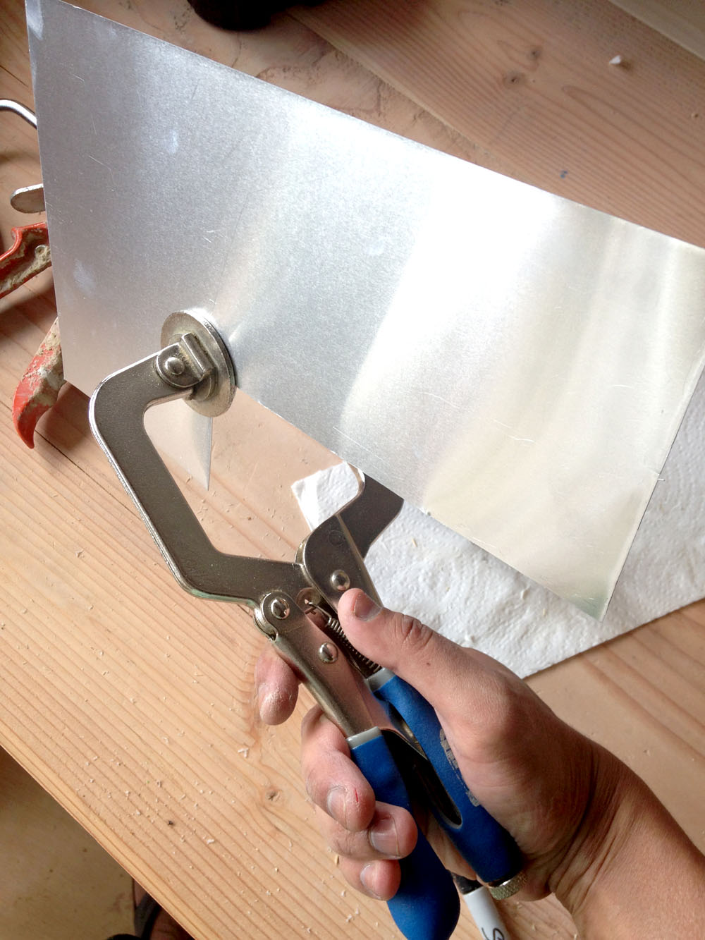 How to Fix Dents in Sheet Metal with a Face Clamp for Making a Robot