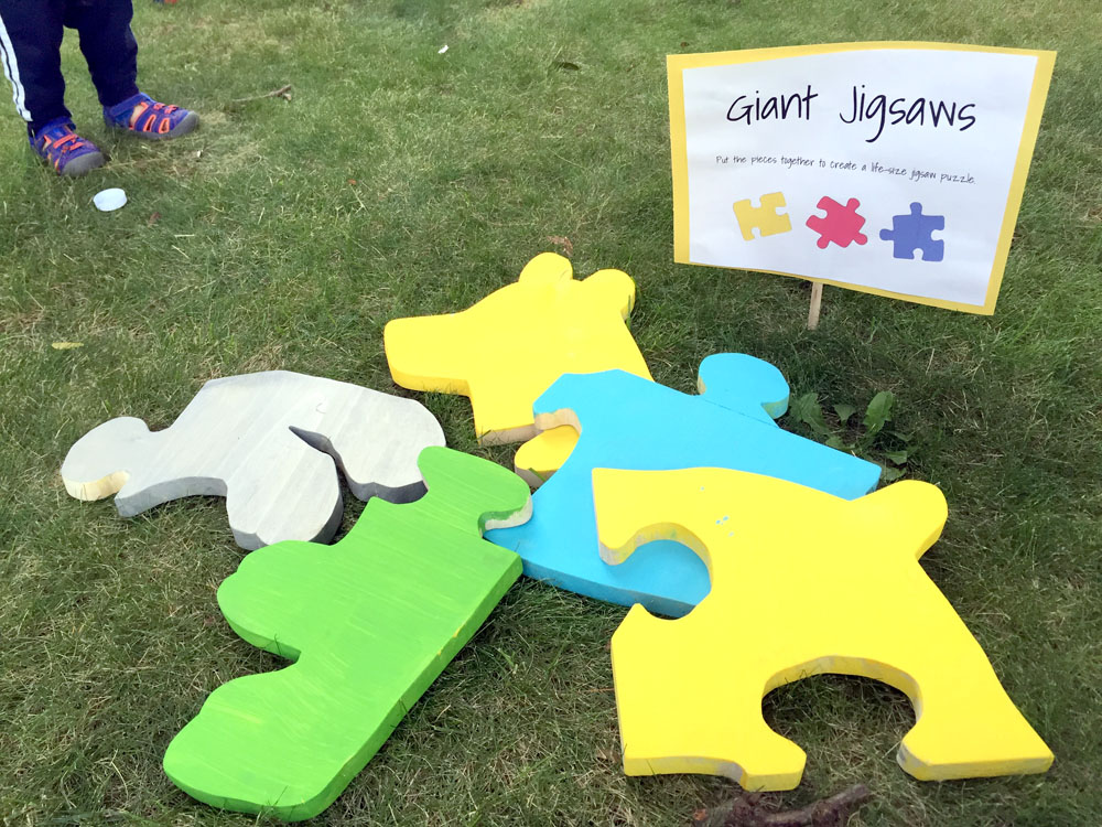 How to Make a Giant Jigsaw Puzzle - Perfect Yard Game