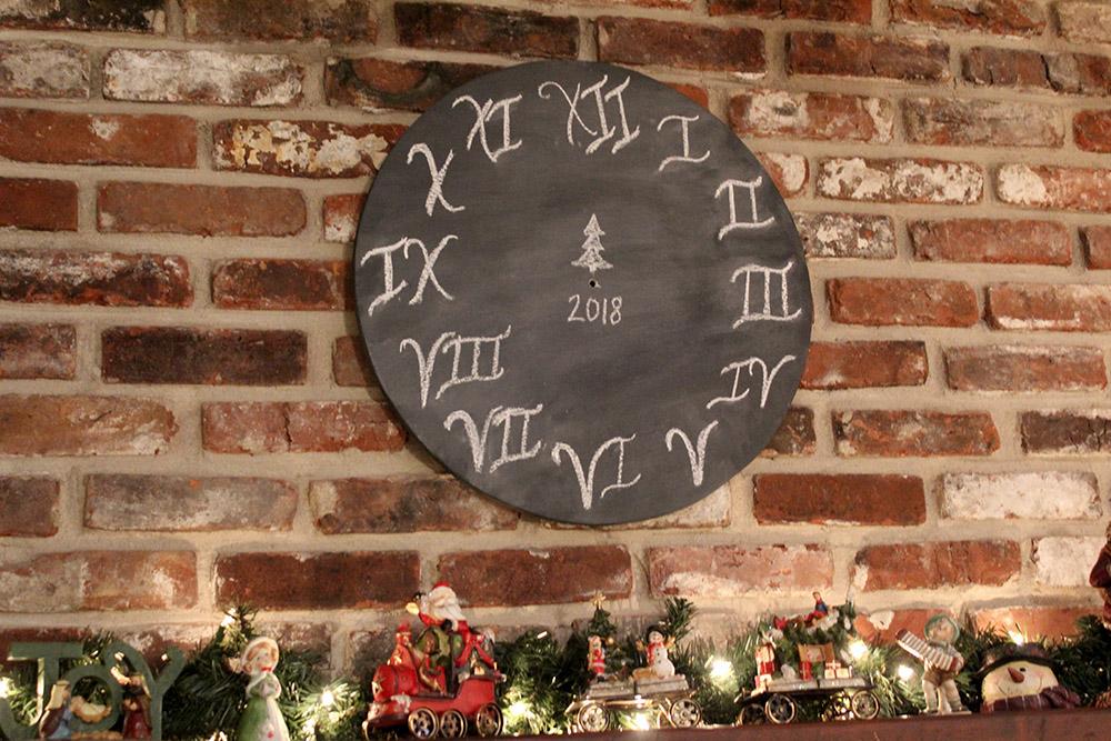 DIY chalkboard style wall clock