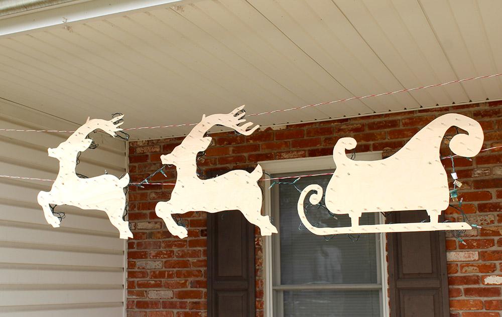 Hanging Santa Sleigh and Reindeer DIY yard decor