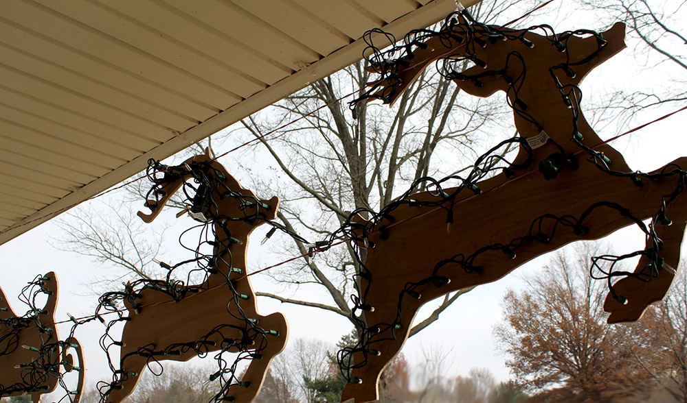 DIY reindeer and Santa sleigh outdoor decor