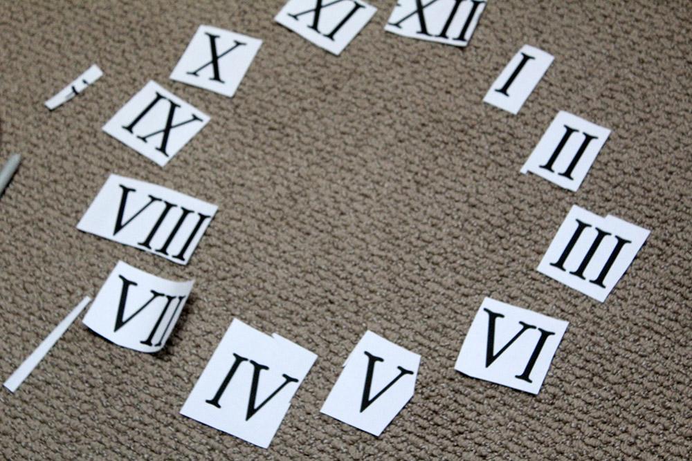 Using Roman numerals to make DIY wooden clock