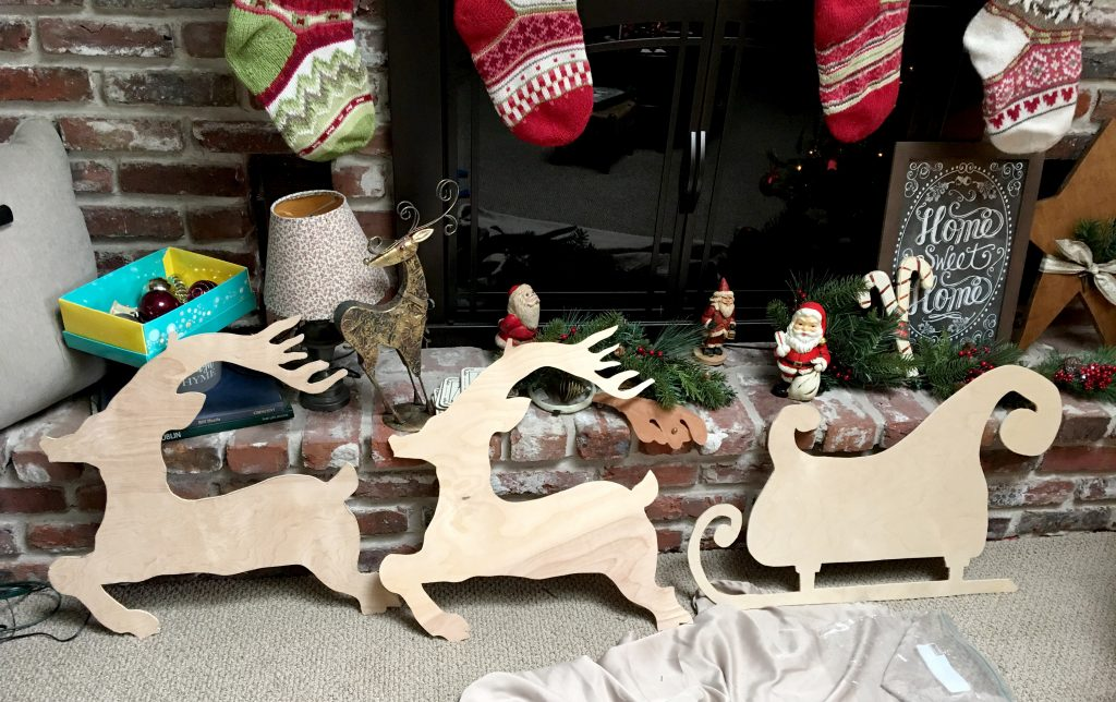 DIY Santa Sleigh and Reindeer Outdoor Yard Decorations