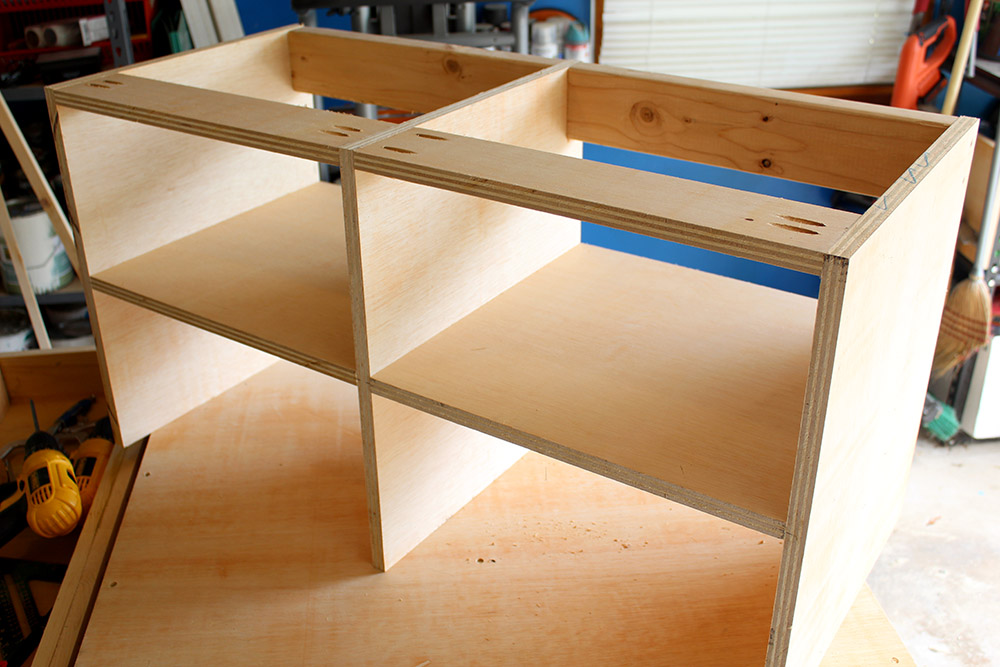 Building a bench with cubbies for the mudroom easy DIY tutorial