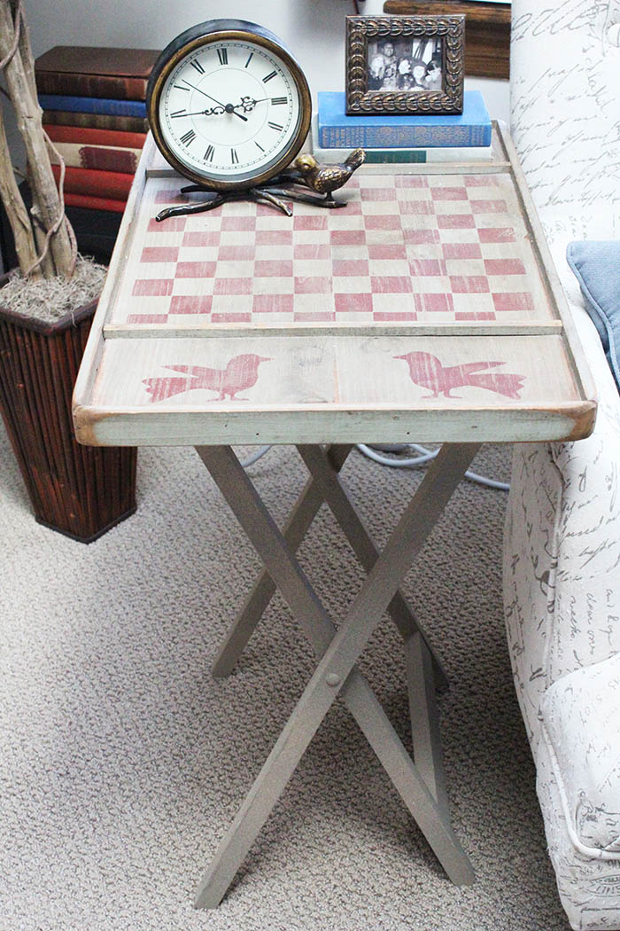 Beautiful checkerboard game turned into an end table - easy rustic DIY